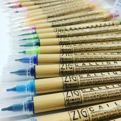 Kuretake ZIG Calligraphy II, vágott hegyű, kétvégű ecsettoll, 24 színű készlet  (MS-3500/24V)