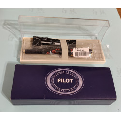 Pilot Maki-e Urushi (japán szilva mintás) töltőtoll